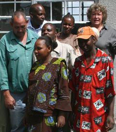 """""""Karibu"""" heißt Willkommen auf Suaheli, sicher für Momella"""